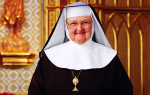 20160223T1112-0299-CNS-EWTN-MOTHER-ANGELICA-CONDITION